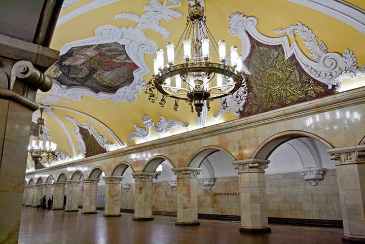 Elektrozavodskaya and Komsomolskaya stations, Moscow-World's Top 6 Most Majestic And Beautiful Train Stations-13