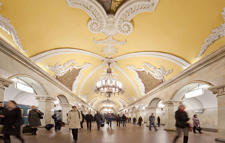 Elektrozavodskaya and Komsomolskaya stations, Moscow-World's Top 6 Most Majestic And Beautiful Train Stations-14