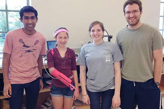 3 Students Have 3D Printed A Robotic Prosthetic Arm Just For $200-