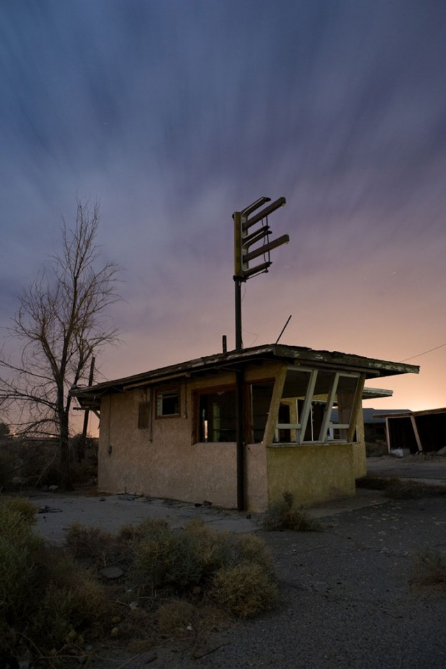 Most Intriguing Abandoned Places In Middle Of Mojave Desert-15