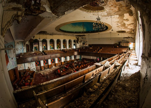 Empty Spaces: A Photographer Shares His Passion For Abandoned Places (Photo Gallery)-5