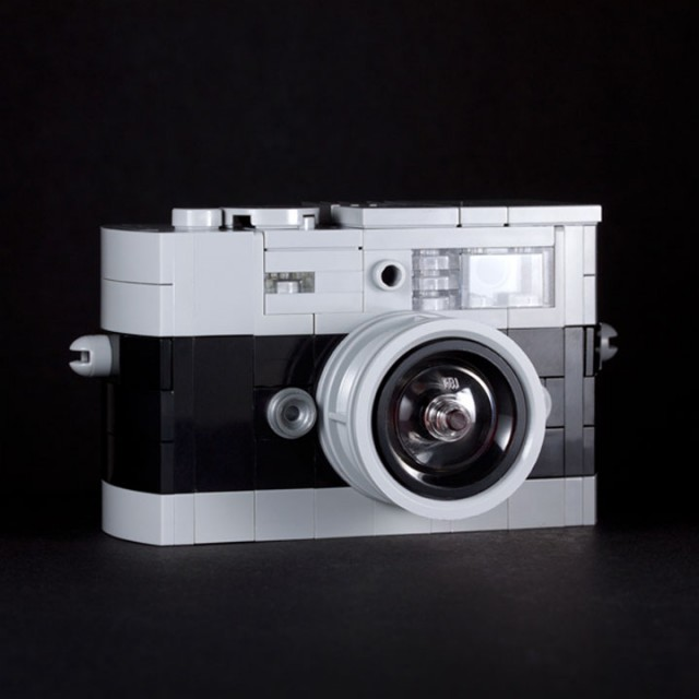 A LEGO Passionate Reproduces Amazing Models Of Everyday Objects-14