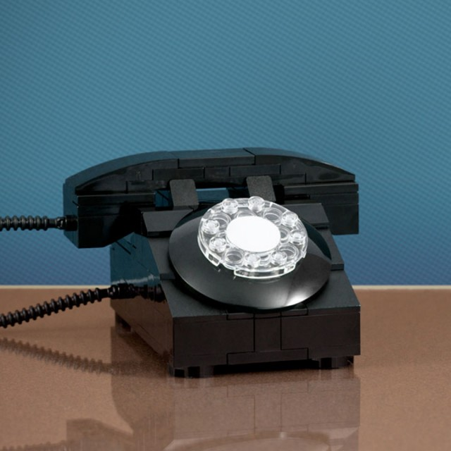 A LEGO Passionate Reproduces Amazing Models Of Everyday Objects-15