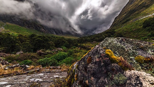 Discover The Most Beautiful Landscapes Of New Zealand (Time-Lapse Video)-16