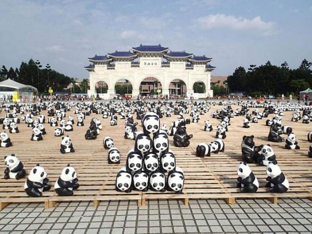 1600 Paper Mache Pandas Invade The City Of Hong Kong-5