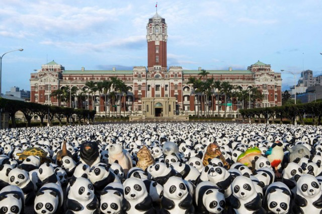 1600 Paper Mache Pandas Invade The City Of Hong Kong-6
