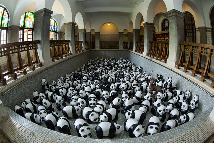 1600 Paper Mache Pandas Invade The City Of Hong Kong-9