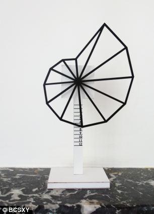 shell-shaped clock
