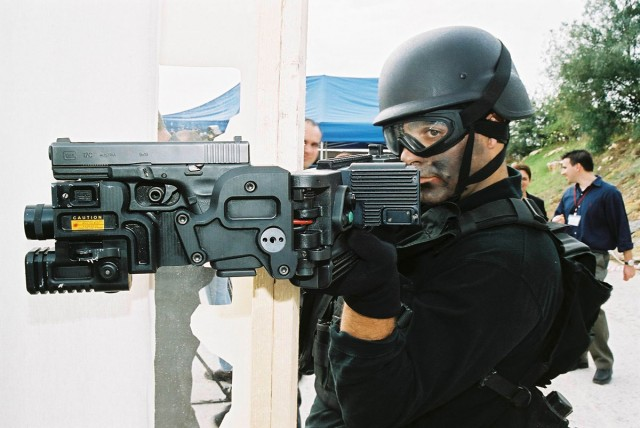 CornerShot-6 New Stunning Military Technologies That Are Already A Reality-