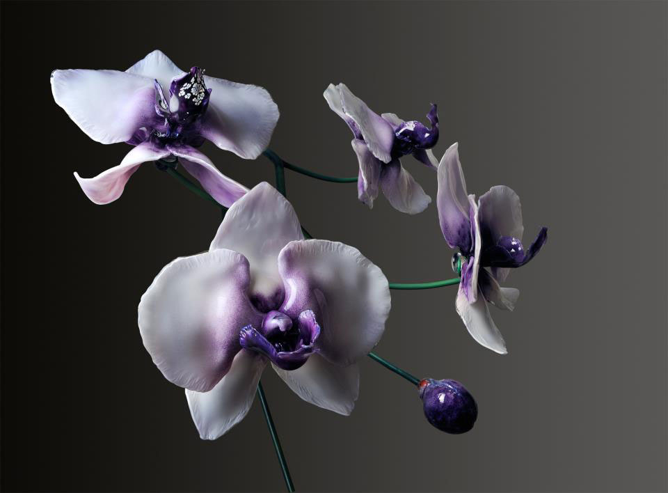 Gigantic And Realistic Flower Sculptures Made From Glass -6