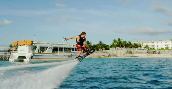 Hoverboard Lets You Surf Many Meters Above And Below Water -1