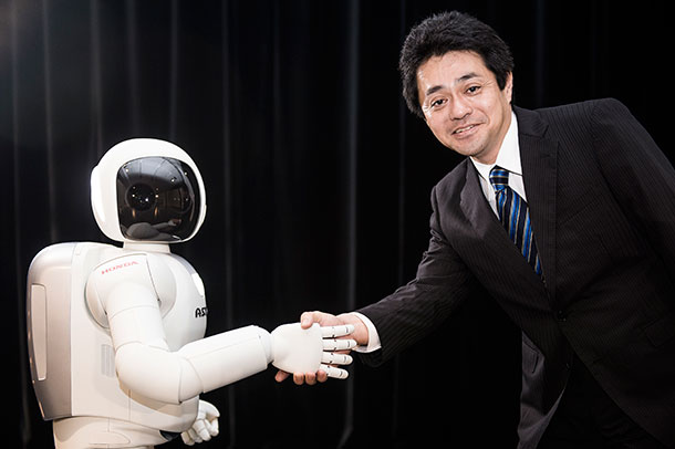 Latest Generation of Asimo Has Many Surprises For Humans-