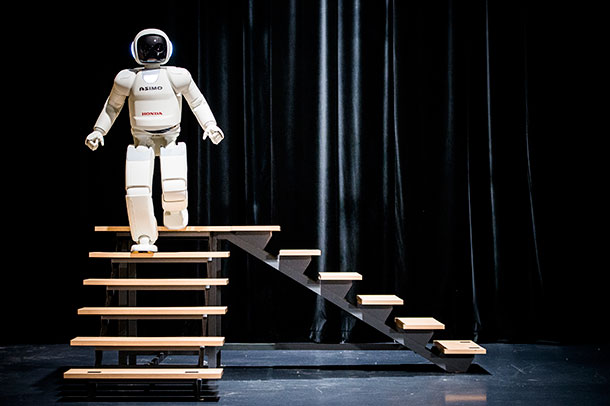 Latest Generation of Asimo Has Many Surprises For Humans-1