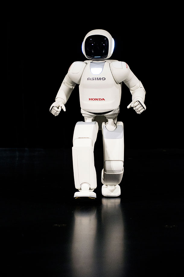 Latest Generation of Asimo Has Many Surprises For Humans-2