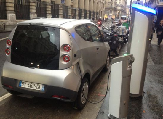 Spanish Scientists Use Braking Energy Of Trains To Recharge Electric Cars-
