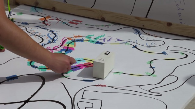 Colour Chaser: A Robot That Creates A Melody From Your Drawing-2
