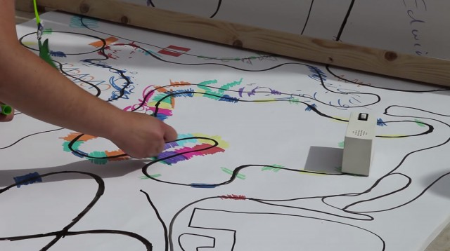 Colour Chaser: A Robot That Creates A Melody From Your Drawing-5