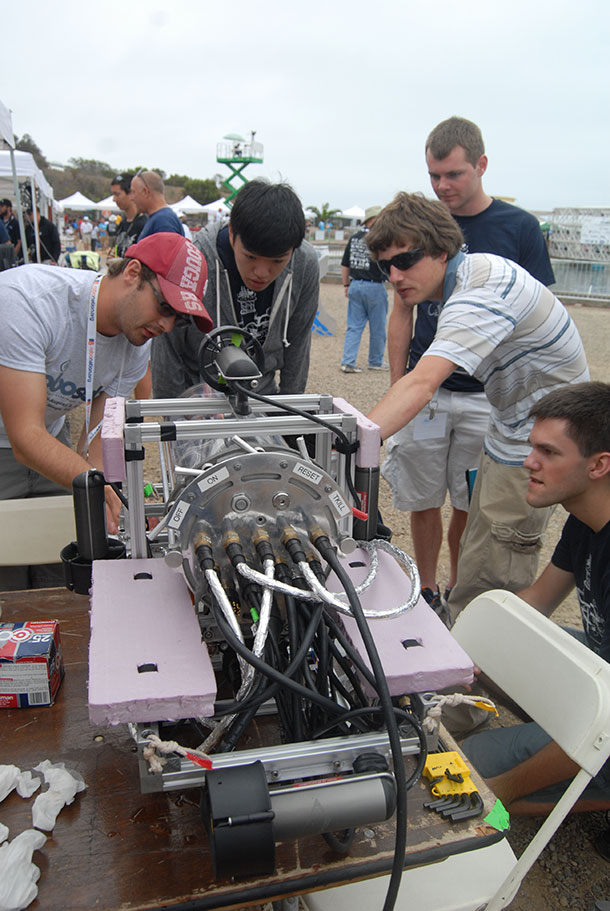 Robosub 2014: The Amazing Competiton Of Submarine Drones-5