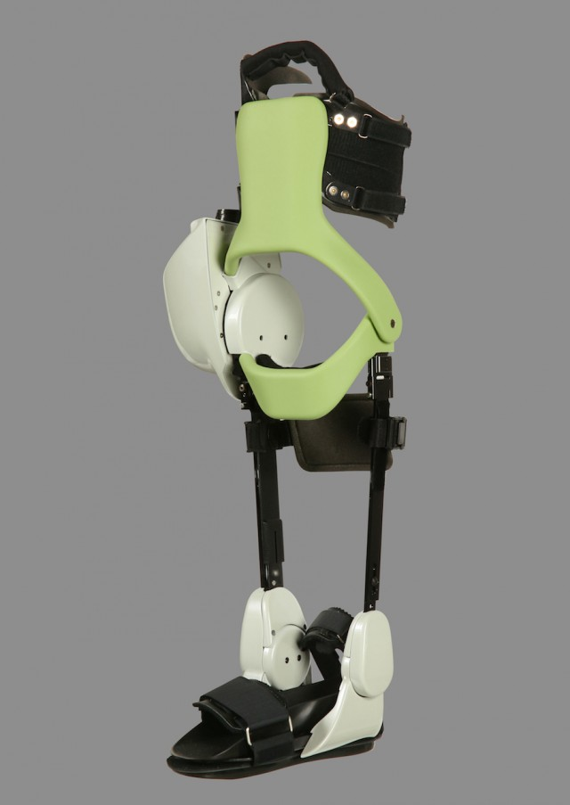 Toyota Robots Assist Paralyzed Patients In The Rehabilitation Of Their Legs-1
