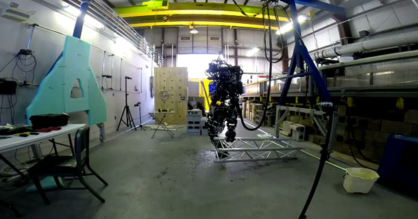 ATLAS: The MIT's Humanoid Robot Can Carry A Heavy Beam-1