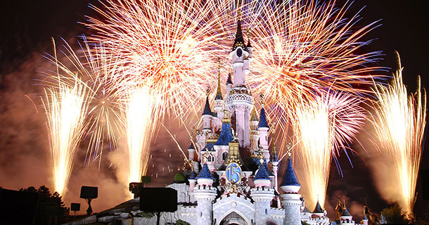 New Attractions In Disney Theme Parks Using Drones-3