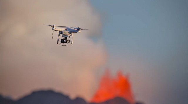 A Drone Captures Dangerously Close Video Of Volcanic Eruptions-1