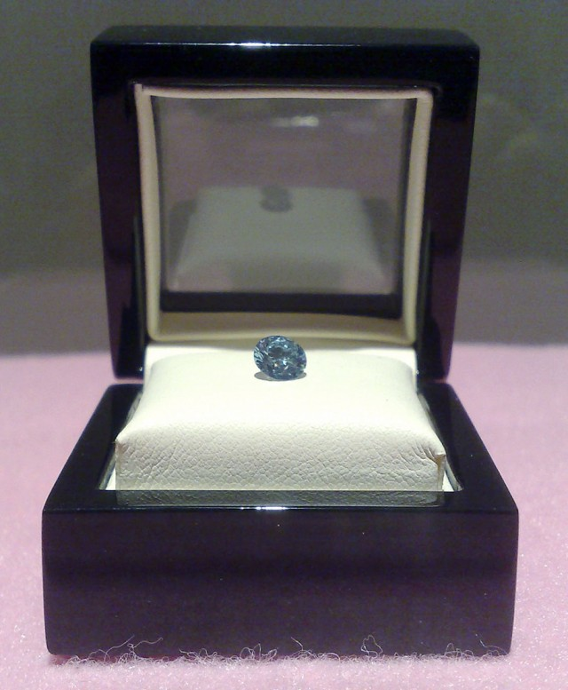 Mourn Your Lost Loved Ones By Turning Them Into Real Diamonds-7