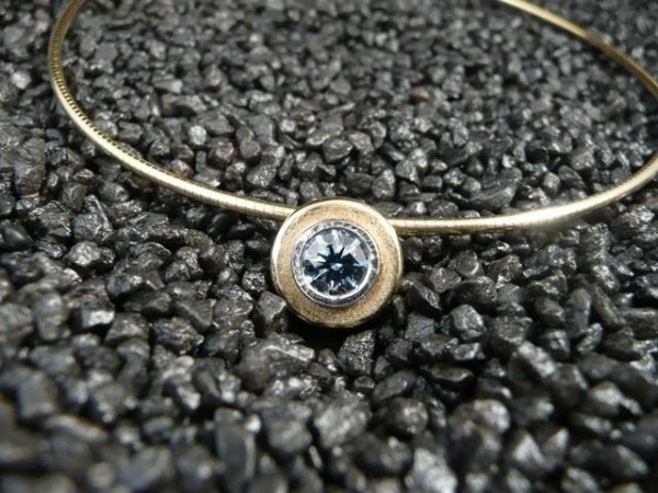 Mourn Your Lost Loved Ones By Turning Them Into Real Diamonds-8