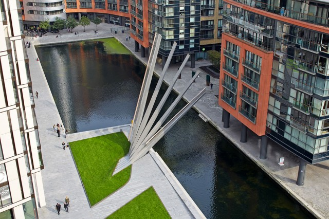 Paddignton Bridge: This Unusual London Bridge Opens Like A Fan-