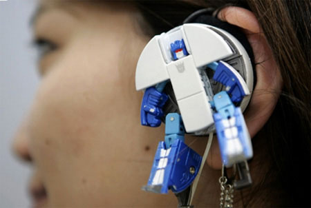 Transformer helmet-20 Stylish Audio Headphones To Enjoy Your Favorite Music-3