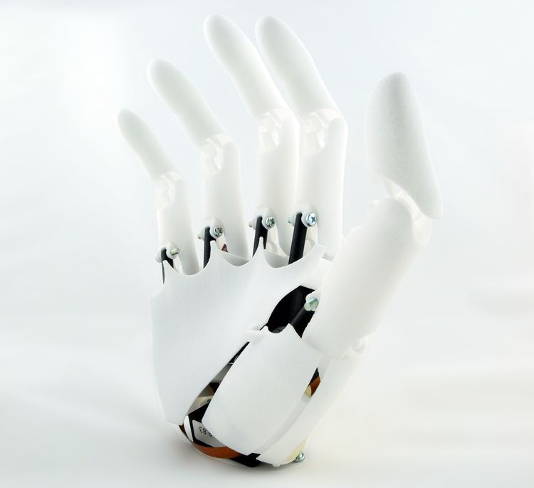 A Bionic Hand At Dirt Cheap Price Thanks To 3D printing-