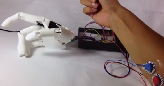 A Bionic Hand At Dirt Cheap Price Thanks To 3D printing-1