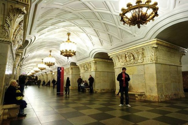 The Architecture And Beauty Of Moscow's Metro System Will Surely Blow You Away-