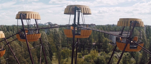 Scary Drone Video Captures Ruins of Ghost Town Of Chernobyl-4