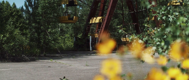 Scary Drone Video Captures Ruins of Ghost Town Of Chernobyl-5