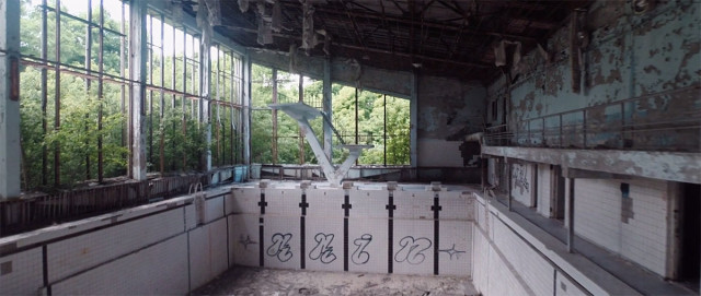 Scary Drone Video Captures Ruins of Ghost Town Of Chernobyl-8