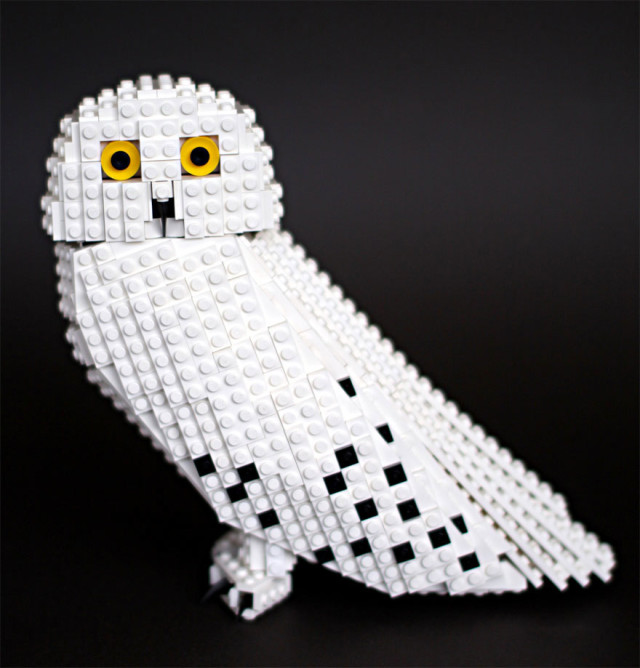 Amazing Bird Models Made Using Simple LEGO Bricks-10