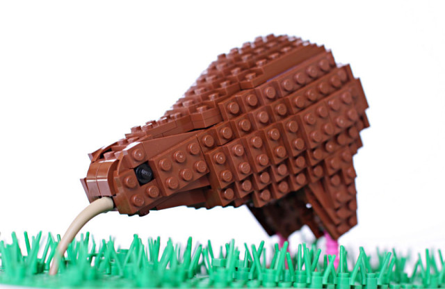 Amazing Bird Models Made Using Simple LEGO Bricks-13