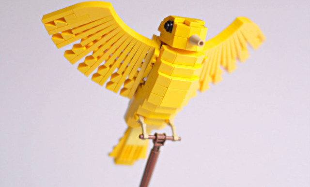 Amazing Bird Models Made Using Simple LEGO Bricks-19