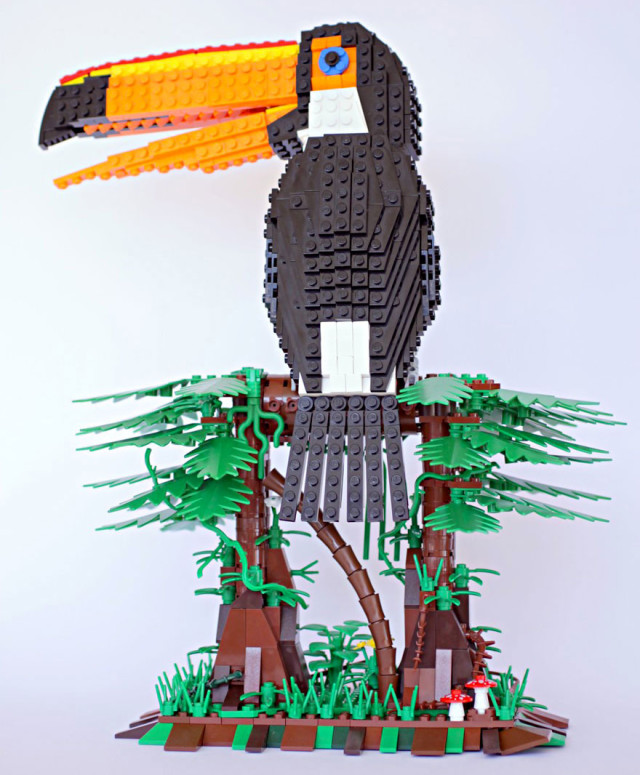 Amazing Bird Models Made Using Simple LEGO Bricks-3