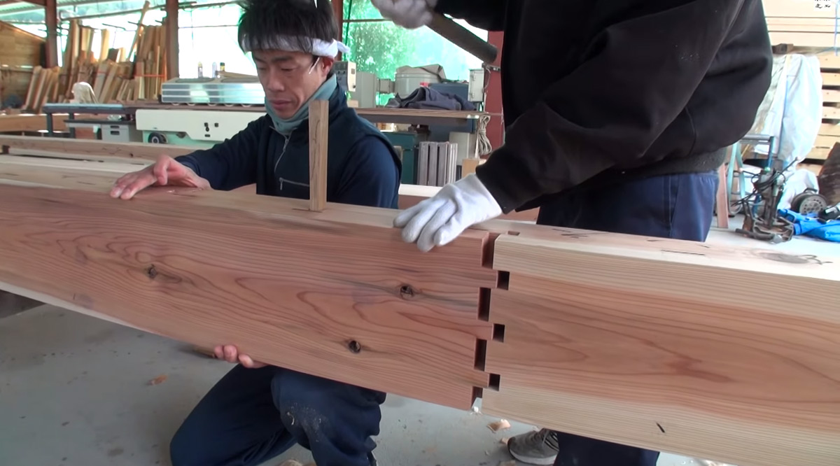 Expert Japanese Carpenters Make Wooden buildings without ...