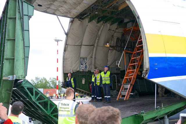 Antonov AN-225 world's largest transport aircraft-11