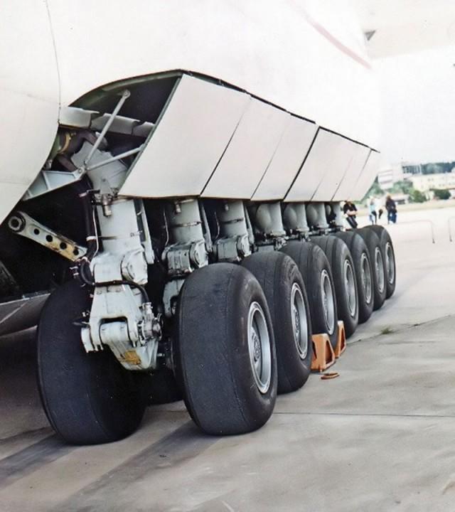 Antonov AN-225 world's largest transport aircraft-4