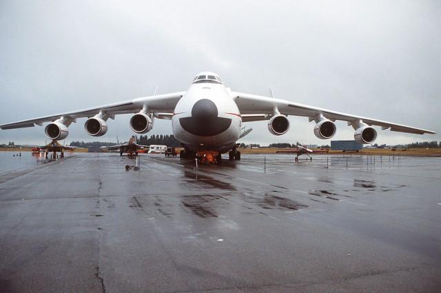 Antonov AN-225 world's largest transport aircraft-5