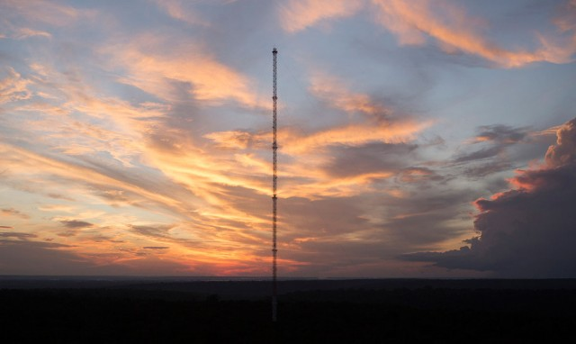 Discover This Gigantic Meteorological Tower Erected In Amazon Rainforest-8