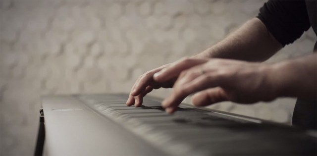 Discover This Unconventional Piano To Compose Melodies By Dragging And Vibrating Your Fingers-