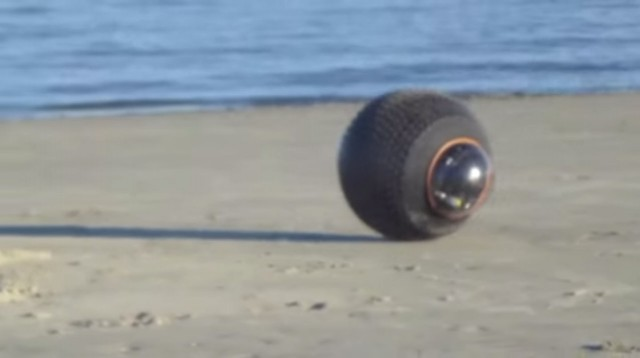 GuardBot- A Spherical Robot Comfortable Both On Land And Water-6