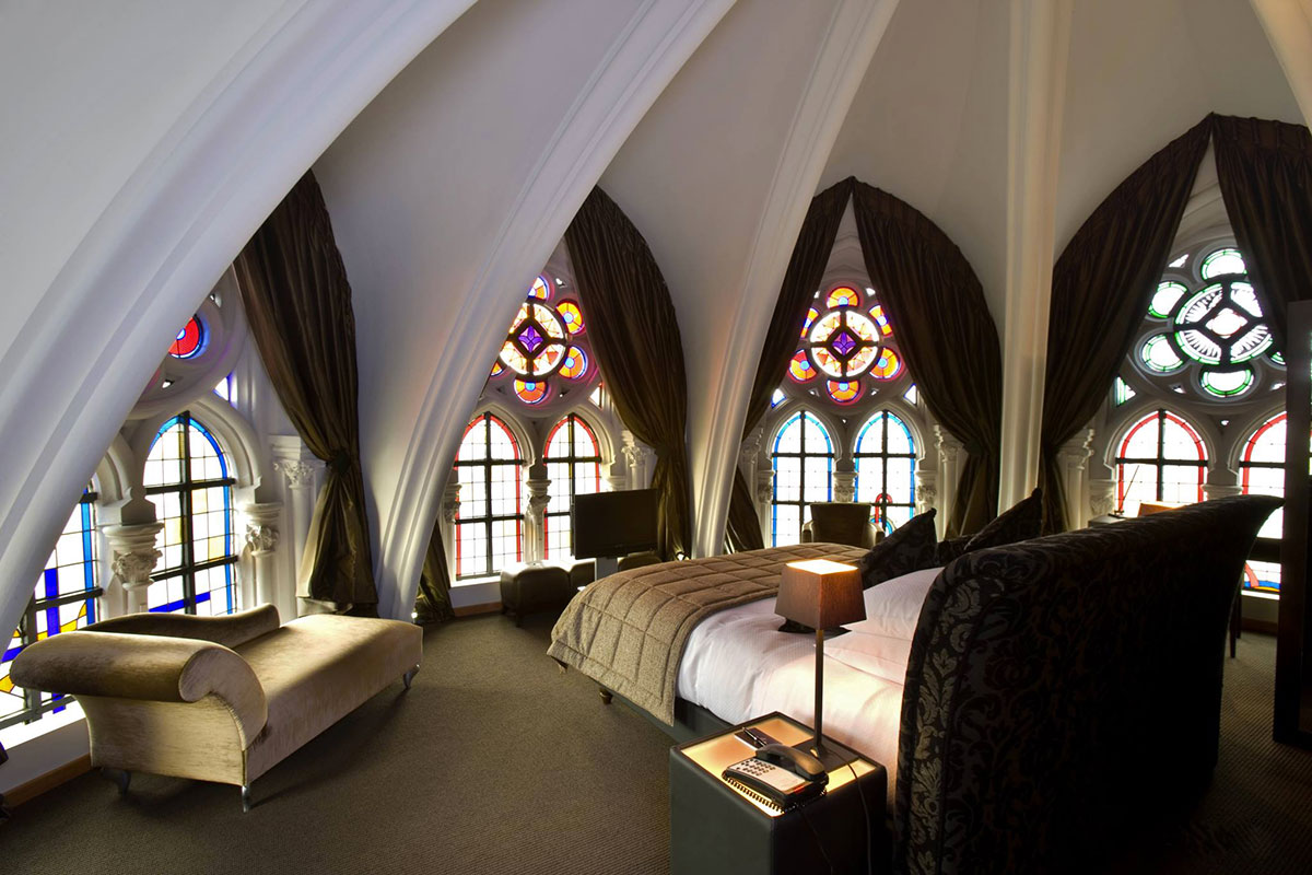22 Sublime And Unusual Hotels That Will Make You Dreaming 18