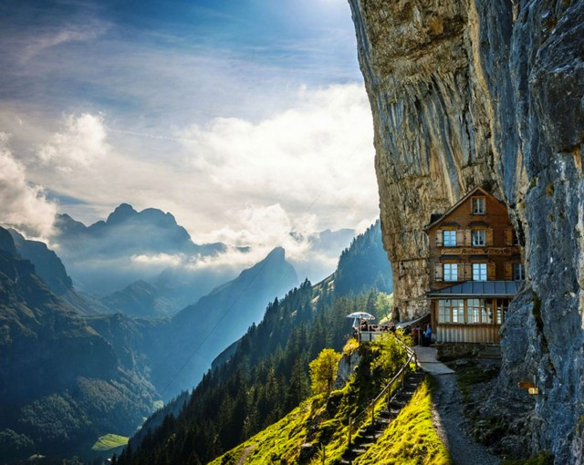22 Sublime And Unusual Hotels That Will Make You Dreaming-9