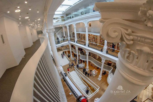 The Elegant Architecture Of This Bookstore Will Surely Blow You Away -7